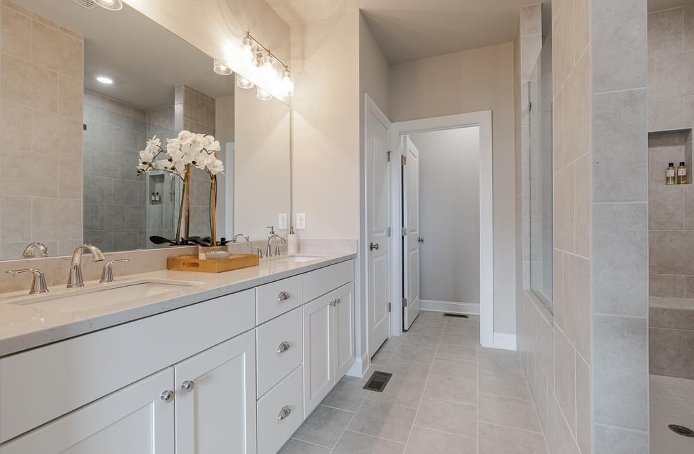 Graham Home Design Owner's Bath. 2,186sf New Home in Suwanee, GA