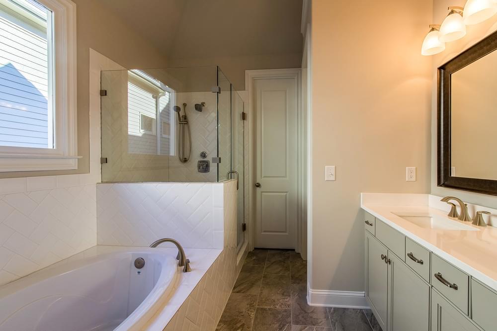 Kentmere Home Design Owner's Bath. 2,581sf New Home in Johns Creek, GA