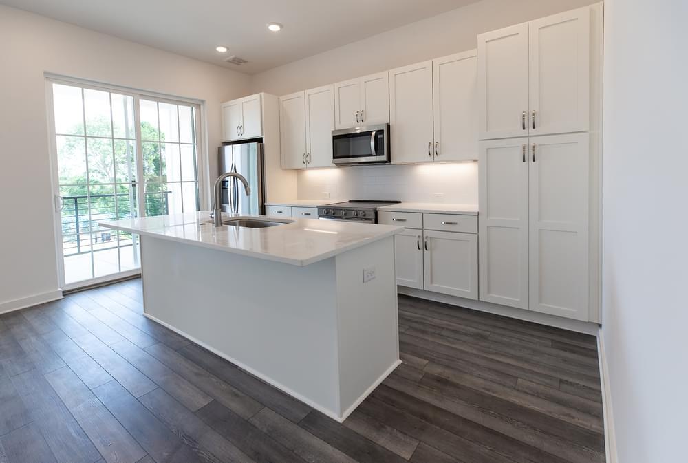 Edgehill Home Design Kitchen. New Home in Alpharetta, GA