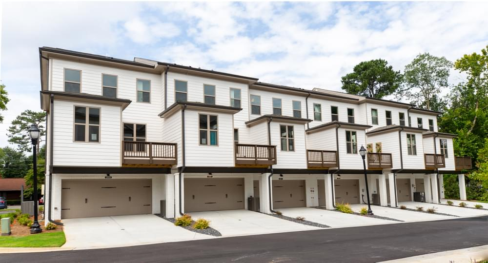 Receive $7.5K in Closing Costs on New Smyrna Townhomes at Pruitt Walk*