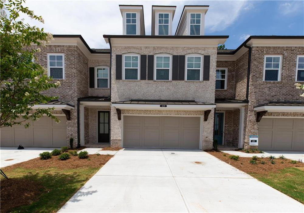 Photos NOT OF Actual Home but of a previously built home of Stockton plan. This home is under construction. 3br New Home in Suwanee, GA