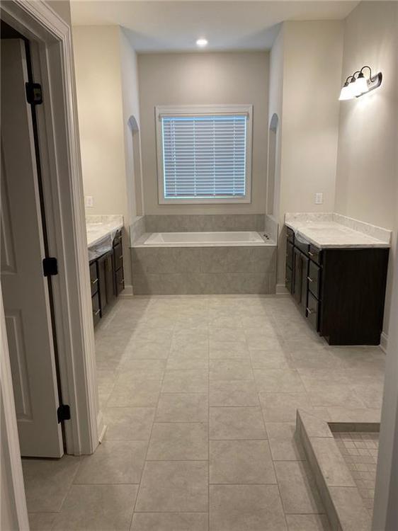 Owner's Bathroom. Alpharetta, GA New Home