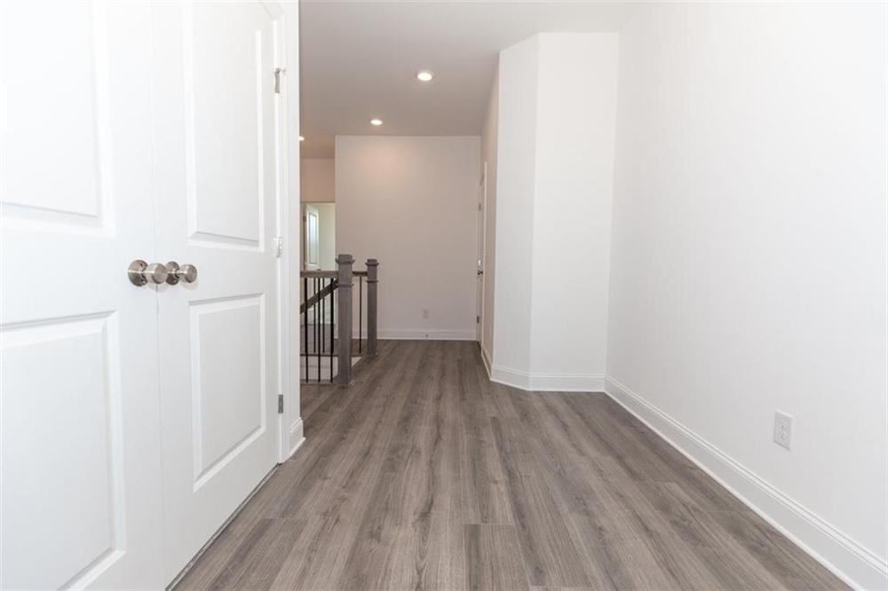 Master closet . Duluth, GA New Home